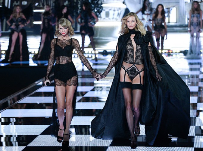 Taylor Swift : en couple avec Karlie Kloss ?