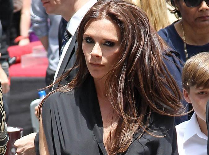 Victoria Beckham : enceinte et sublime au parc avec son fiston…et en talons !