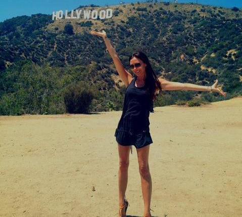 Victoria Beckham : souriante et sans talons pour son retour à L.A !