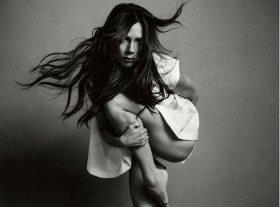"""Victoria Beckham : Un méga """"fail"""" Photoshop qui fait rire le web!"""