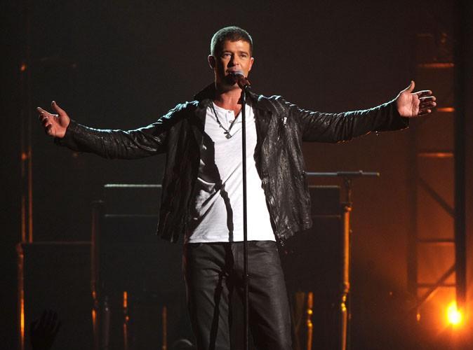 Vidéo : Billboard Music Awards 2014 : Robin Thicke : toujours accro à Paula Patton, il lui rend hommage en musique et sur scène !