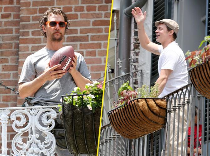 Vidéo : Brad Pitt : bon joueur, il lance une bière à Matthew McConaughey par-dessus son balcon !