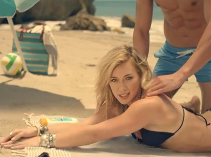 """Vidéo : Hilary Duff : découvrez le clip de son nouveau single, """"Chasing the Sun"""" !"""