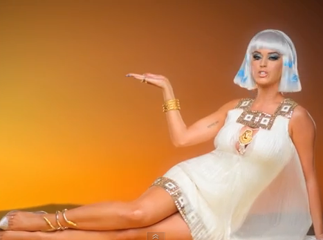 "Vidéo : Katy Perry dévoile le clip de ""Dark Horse"" !"
