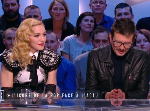 Vidéo : Madonna : séquence émotion quand elle rencontre le dessinateur Luz (Charlie Hebdo) !