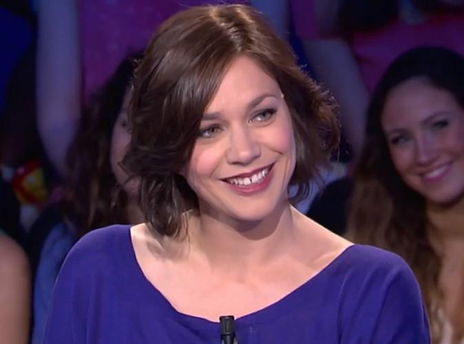 Vidéo : Nathalie Péchalat : embarrassée, elle évite les questions sur sa romance avec Jean Dujardin !