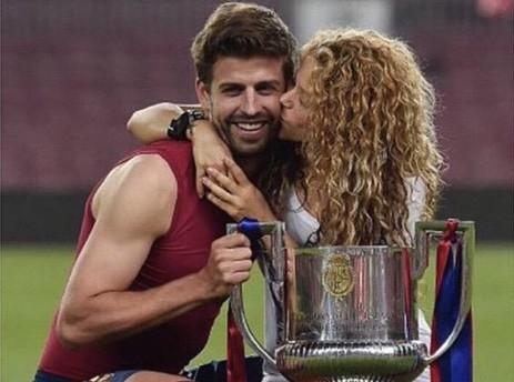 Vidéo : Shakira : Quand Gerard Piqué danse et chante pour elle, ça vaut le détour !