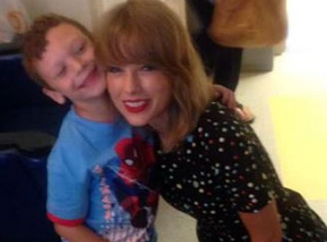 Vidéo : Taylor Swift : la star au grand coeur chante à l'hôpital pour un petit fan malade !