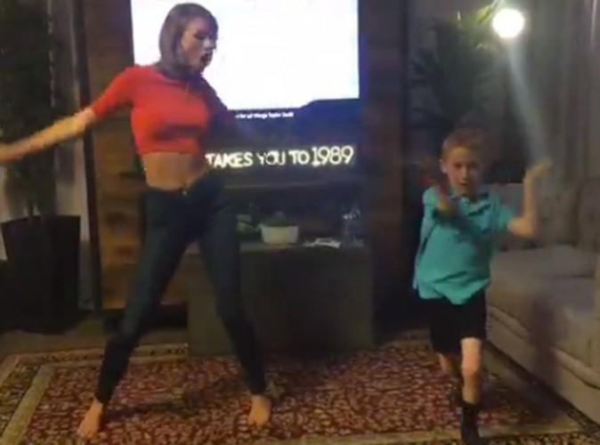Vidéo : Taylor Swift rencontre son petit fan et danseur fou pour une choré mémorable !
