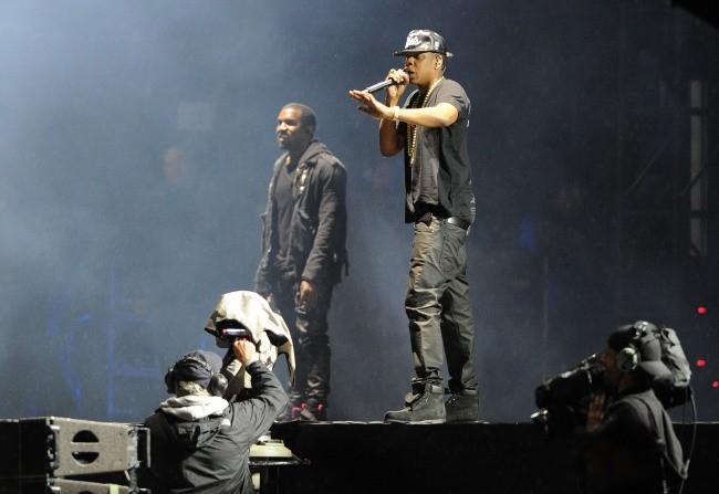Jay-Z et Kanye West sur la scène du Radio 1's Hackney Festival, le 23 juin 2012.