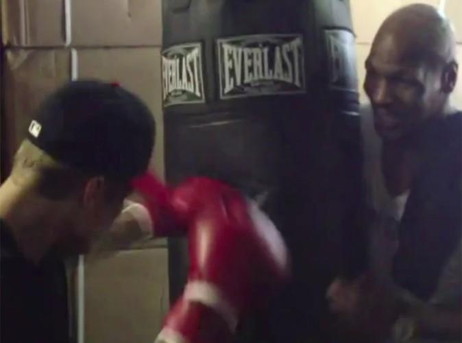 Justin Bieber : Mike Tyson lui donne des cours de boxe !