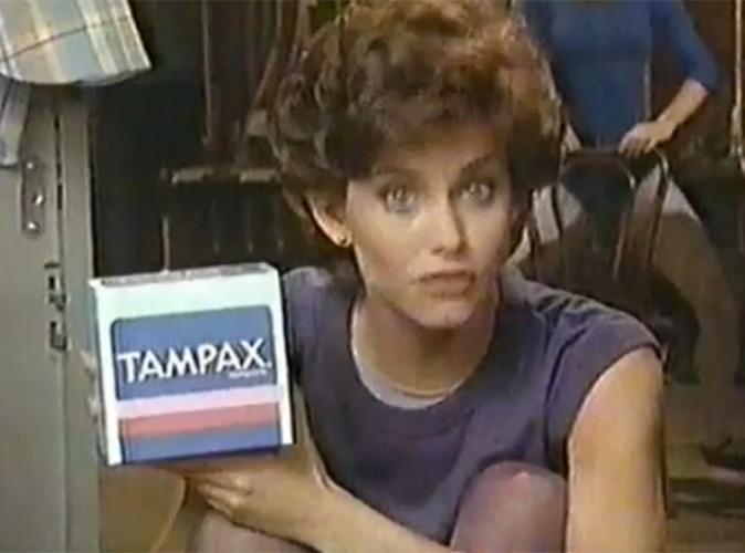 Vidéo Buzz : cette incroyable époque où Courteney Cox vendait des tampons…