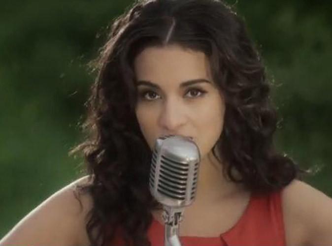 """Vidéo : Camélia Jordana : délicate et romantique dans le clip de """"Sur la peau"""" !"""