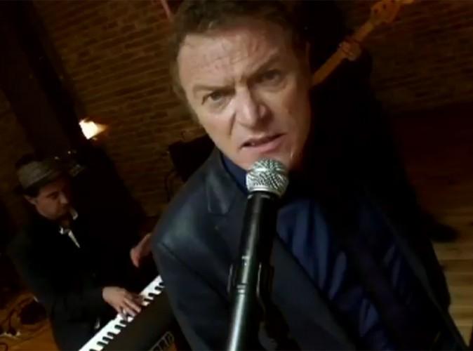 Vidéo : Christophe Hondelatte se lance dans la chanson ! Découvrez son clip !