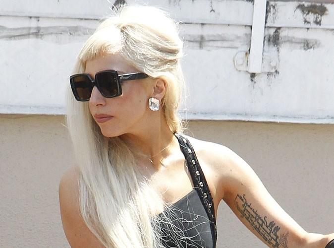 Lady Gaga topless pour la promo des MTV Vidéo Music Awards !