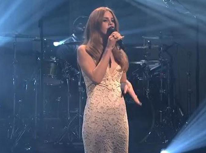 Vidéo : Lana Del Rey : une prestation à la télé US complètement ratée !