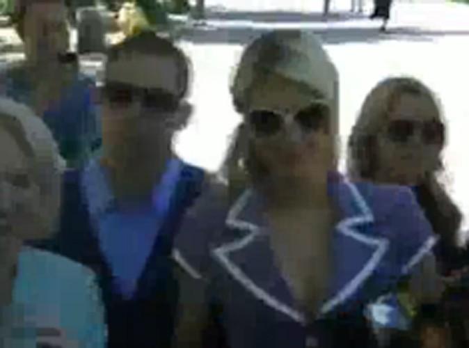 Vidéo : Le boyfriend de Paris Hilton agressé !