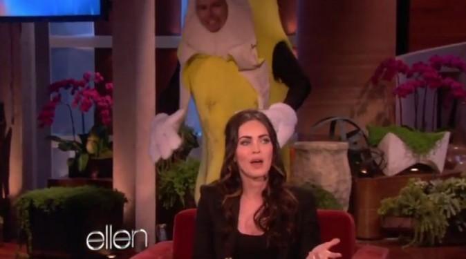Vidéo : Megan Fox : effrayée par une banane géante !