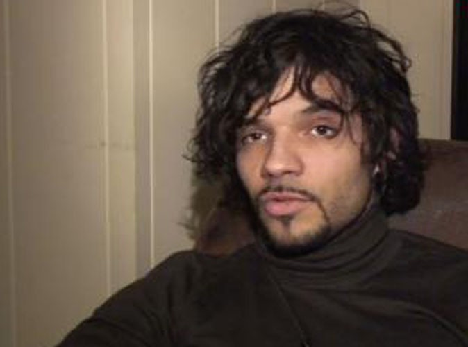 Vidéo : Mickels : méconnaissable, il compare la Star Ac' à une prison !