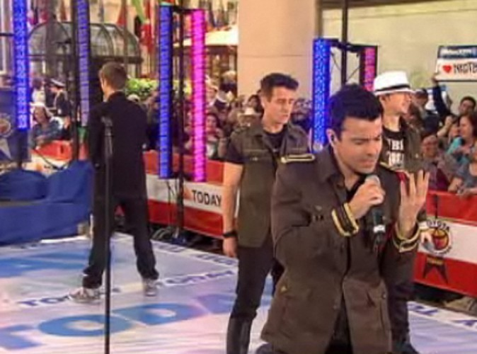 Vidéo : New Kids On The Block + Backstreet Boys = NKOTBSB!