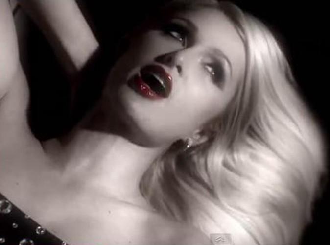 Vidéo : Paris Hilton : elle amorce son retour musical avec le titre Drunk Text...