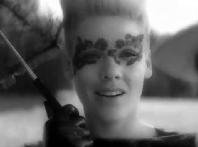 Vidéo : Pink : toujours aussi diabolique dans son dernier clip Blow Me (One Last Kiss) !