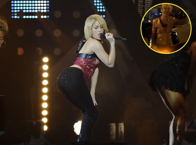 Vidéo : Shakira monte le son dans les rues de Barcelone ... Et c'est pas du Francis Cabrel !