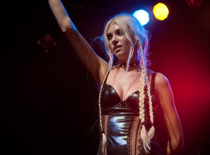 Vidéo : Taylor Momsen : nouvelle provoc'... elle montre ses seins !