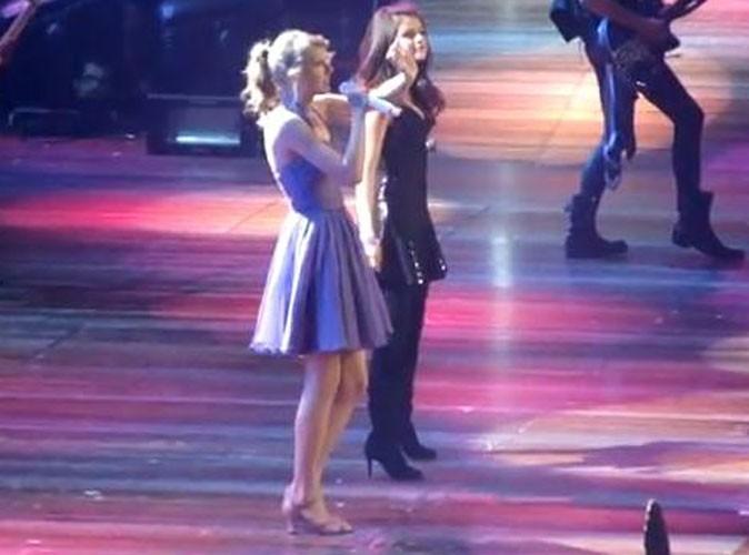 Vidéo : Taylor Swift : elle invite Selena Gomez sur scène pour le plus grand plaisir de ses fans !