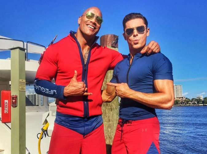 Zac Efron affiche ses muscles aux côtés de Dwayne Johnson sur le tournage de Baywatch