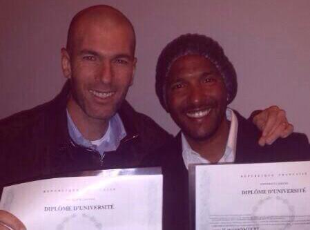 Zinédine Zidane : le deuxième sportif préféré des Français a reçu son diplôme de manager !