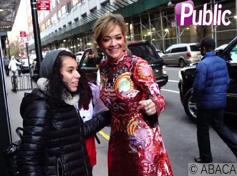 Rita Ora : Elle ose la robe à sequins et ne passe pas inaperçue !