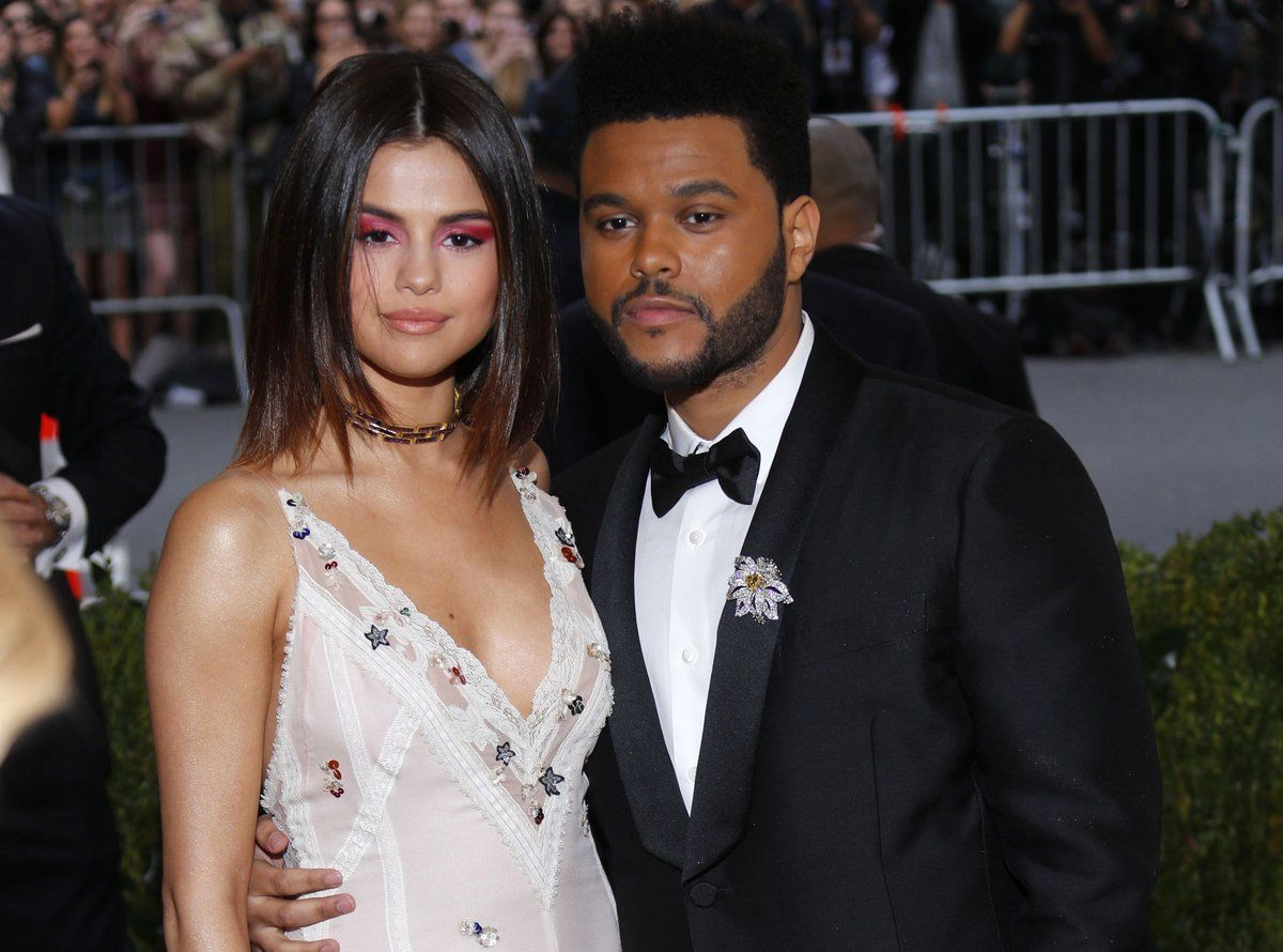Selena Gomez embrasse un charmant jeune homme à New York... et ce n'est pas The Weeknd !